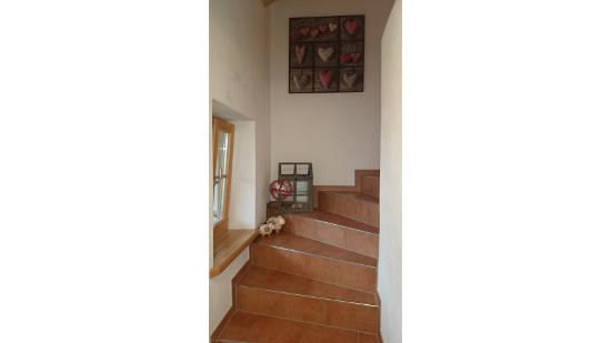 Innerer Treppenaufgang zum Wohnbereich, Fenster nördlich gerichtet